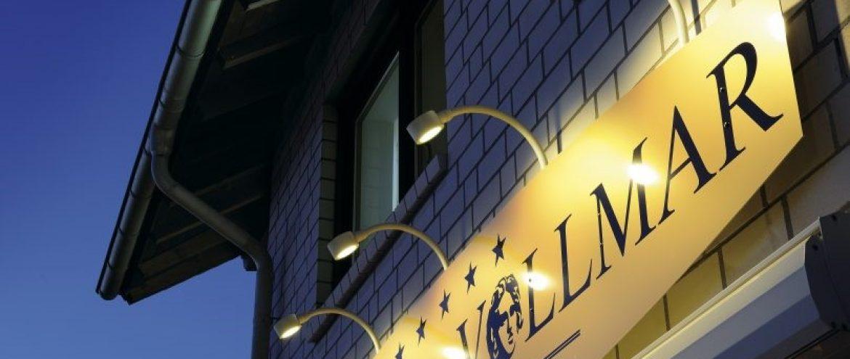 نورپردازی خارجی چگونه می تواند ساختمانها را در شب زیبا و نورانی میکند