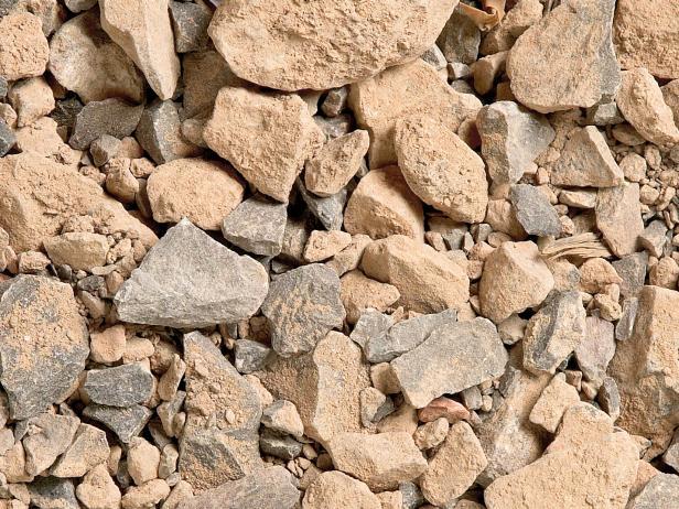 سنگ خرد شده در ملات یا بتن